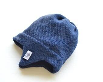 Blaue Baby Mütze mit Ohrenklappen, Fliegermütze, 100 % weiches Merino Garn
