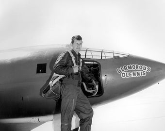 Chuck Yeager in front of the Bell X-1 Glamorous Glennis