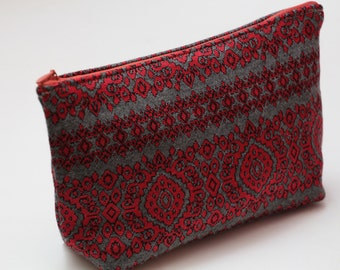Knitwear Red and Grey Cosmetic Bag with Linen Lining