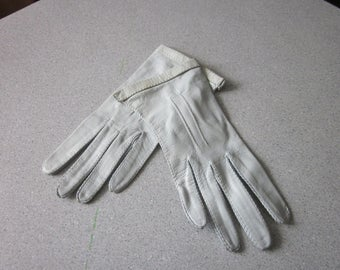 1950s Unworn Light Blue Kidskin Gloves, Size 6-1/2