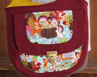 Cross Body Purse in Beautiful Linen and Snow White Fabric - Adjustable Strap, Zip Pocket, Asian, Seven Dwarves, Evil Queen, Poison Apple
