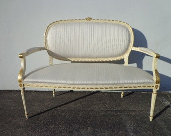 Bench French Provincial Boudoir Vanity Bed Vintage Hollywood Regency Entry Chippendale Settee Loveseat Sofa Shabby Chic Victorian Seating