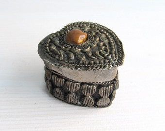 Pill or Snuff Box Antique Berber Silver Trinket Pill container holder Purse pill box - Handmade Heart shape relief box with agata stone