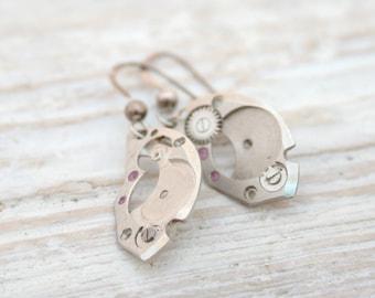 Steampunk Jewelry Earrings / Dangle earrings / Whimsical Jewelry watch parts dangling earrings / Industrial Jewelry / Silver Cogs earrings