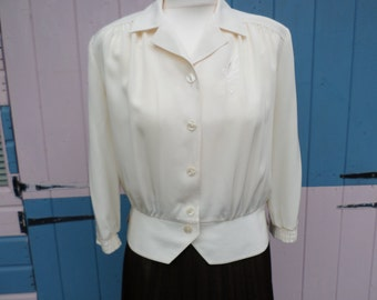 Vintage Cream Blouse 1940's style , vintage cream & white buttons  size UK 10 circa 1980's