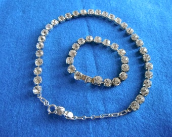 Bracelet and Necklace set - sparkling cubes -