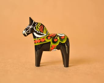 Nils Olsson tiny black Dala horse (2.7 inch) - Vintage Swedish handpainted small black Dalarna