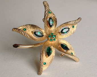 Star shaped Flower  Brooch/Pin - Emerald Green Stones - Gifts for Her - Mothers day
