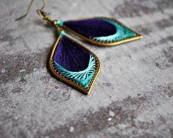 Peruvian inspiration thread earrings | purple teal thread earrings | woven earrings | boucles d'oreilles | native american earrings