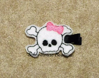 Girl Pirate Skull Felt Hair Clips with your choice of ribbon color,Felties,Feltie Hair Clip,Felt Hairbow,Felt Hair Clippie