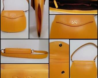 Vintage 1970s Yellow Gold Oscar De La Renta Leather Purse