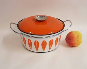 Cathrineholm orange Lotus Enamel pot - Casserole 60s. Gretr Prytz Kittelsen.