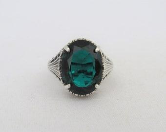Vintage Sterling Silver Oval Emerald Filigree Ring Size 8