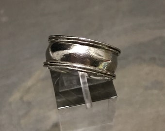 Size 8, Vintage sterling silver handmade ring, 925 silver hammered band, minimalist, stamped 925
