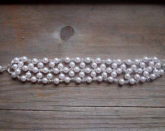 light pink glass pearl bracelet