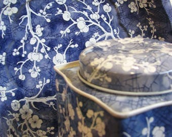 Matching DAHER CHERRY BLOSSOM Tin and Bowl Cobalt Blue and White