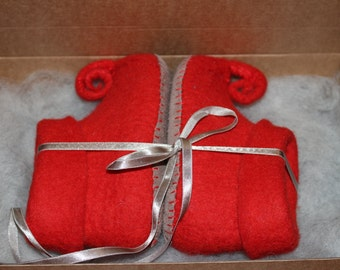 Gnom slippers, shoes winter baby shoes red