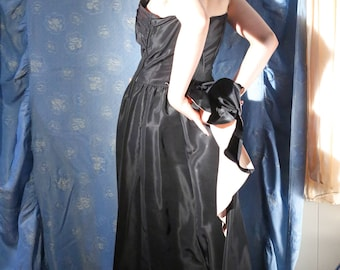 """Stunning 1930's sash back  black and pink ruffled bustle evening gown with butterfly sequinned appliqués 30"""" waist"""
