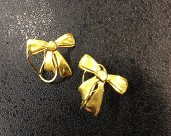 9ct gold clip on earrings ,bows