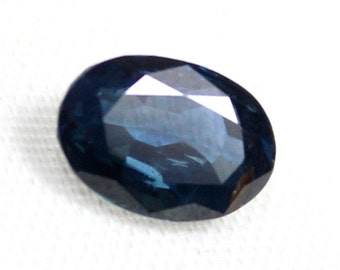 0.90 carat Natural Blue Sapphire  faceted cut loose gemstone size 6.10 mm x 4 mm x 3.45 mm approx. 0001