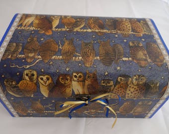 Owl design decoupage and ribbon wooden treasure chest box, to store all those keepsakes and treasured items.