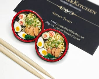 Handmade polymer clay ramen pin, fake food, miniature food, realistic miniatures, unique food pin, japanese food, 1 pc