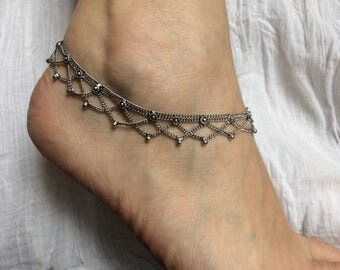 Ankle chain, silver, with two strings, 6 small flowers