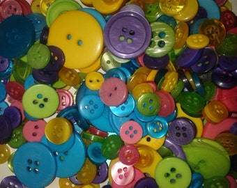 Mixed buttons, bulk buy buttons, wholesale buttons, rainbow buttons, different sized buttons, round buttons, sewing buttons, craft buttons