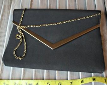 Vintage! Evening bag. Black. Gold. Long chain. Long strap. 1980s.