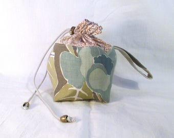 Mini Commuter Pack Sack, knitting project bag, crochet project bag; strap, drawstring, cotton/linen/polyester, feelgood knitting tool, no 23