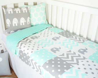 Patchwork quilt nursery set - Mint and grey elephants (Mint minky backing)
