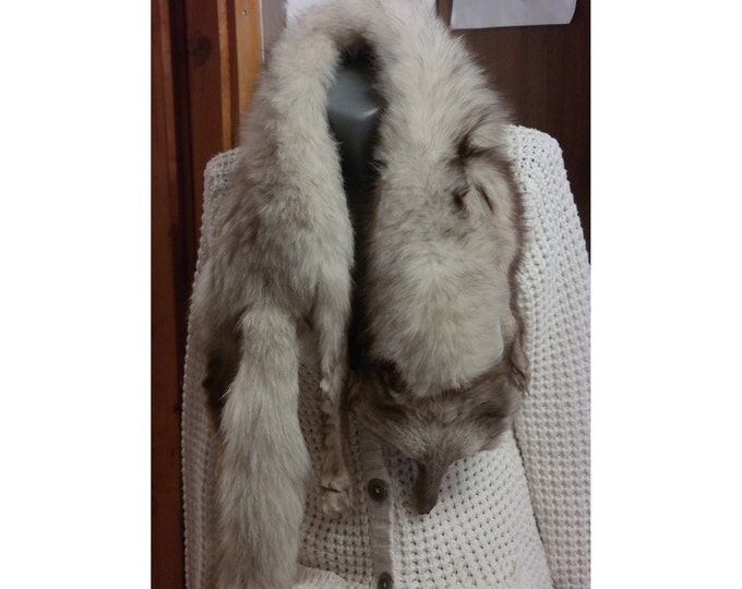 Vintage fox fur, full body pelt, wrap stole, fur collar,shawl wrap, real fur red fox stole with tail paws and face, Central Europe fox