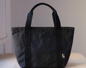 Waxed canvas bag MIA black