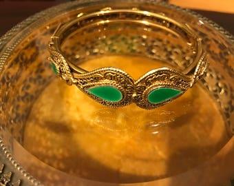 Vintage Paisley Style Gold & Green Bracelet