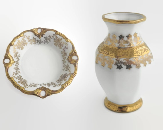 Vintage dish and small vase, white porcelain with 24 carat gold decorative patterns, Weimar and Sneroll brands, Germany, Bavaria, 1950s