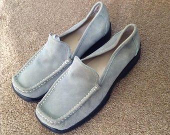 Anne Klein sage green soft suede loafers 8 1/2 M