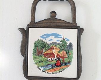 Trivet Vintage Cast Iron Pot Stand Retro Kitchenalia Trivet, Wall Hanging Kettle Shaped