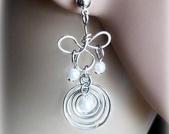 Long earrings, nickel silver, albata eardrop, pearls shackle, pearls Swarovski, wire wrap pendant, White stirrup, German silver, forged link
