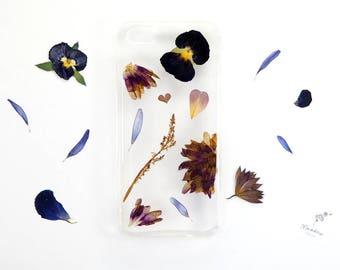 iPhone 5/5s/SE phone case with real pressed flowers in black and purple