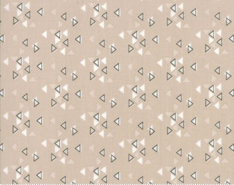 SPECTRUM Triangles in Sand by V and Co for Moda