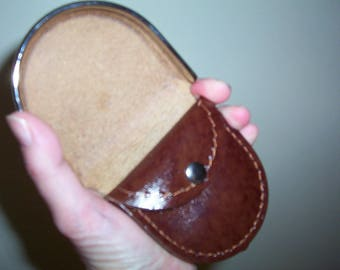 Hoof style leather coin tray purse/case. Brown leather.