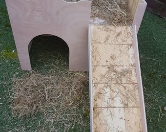 Large rabbit size two storey castle/shelter