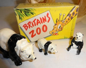 1930s Britains Zoo - Panda Family #9011 - RARE