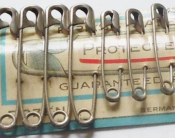 Safety Pins / Authentic Packaging / New / Old Stock / Made in Germany / Safety Pin Graphics / Price for 1 card / 12 Pins of 3 sizes