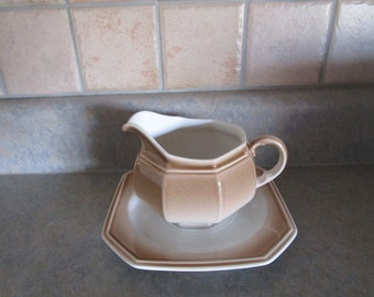 Mikasa Gravy Boat with Underplate