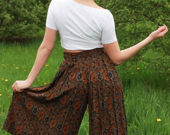 Vintage divided skirt - high waist, mid length