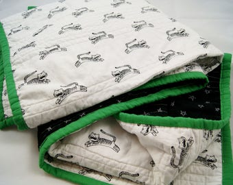 Baby Quilts for Sale, Modern Baby Quilt, Baby Quilts Handmade, Black and White Quilt W/ Green, Boho Baby Bedding, Baby Bedding, Crib Bedding