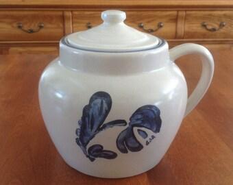 Pfaltzgraff YORKTOWNE Bean Pot with Lid