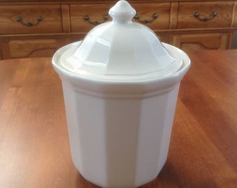 Pfaltzgraff HERITAGE White Medium Sugar Canister and Lid - Kitchen Container