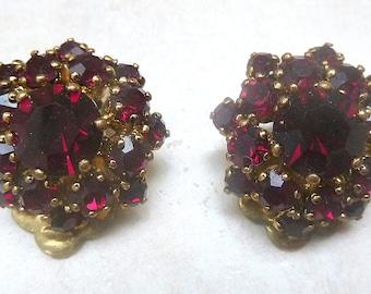 Vintage Faux Garnet Rhinestone Floral Cluster Design Clip On Earrings.
